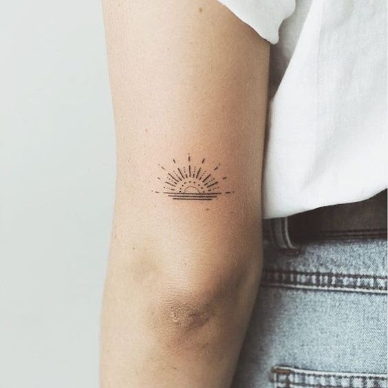 the color tiny tattoos